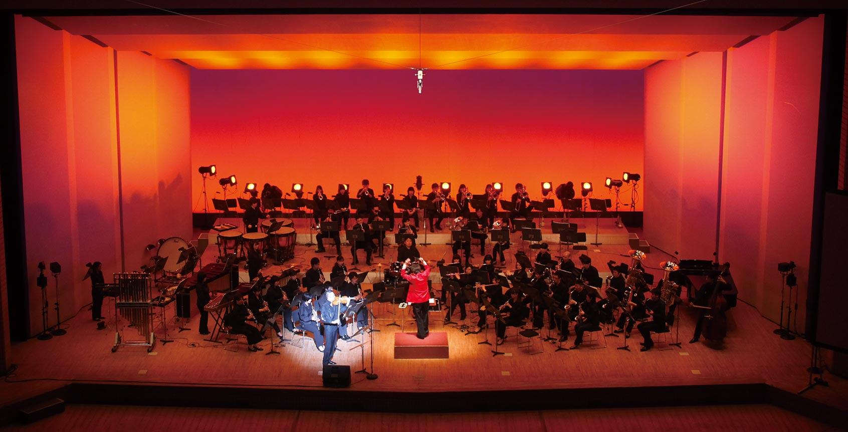 吹奏楽とバイオリンの共演ステージ 石田泰尚氏